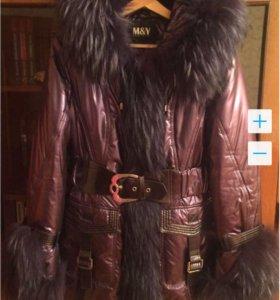 Зимняя куртка с натуральным мехом , 46-48 размер.