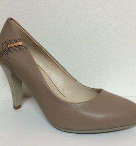 Новые туфли Inario