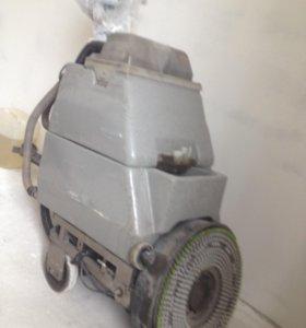 Сетевая поломоечная машина Numatic tt4550