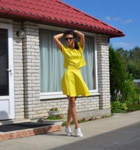 Трикотажный костюм (юбка и топ)