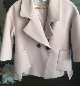 Пиджак-ветровка лилового цвета