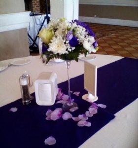 Композиции на столы из живых цветов.