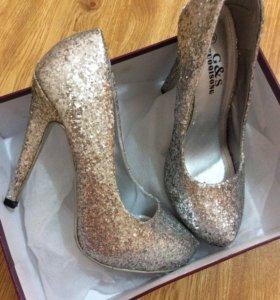 Туфли 👠 новые, металлик
