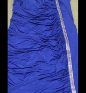 Платье размер 52-54,одевалось 1 раз.