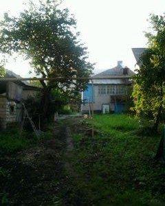Дом, земельный участок