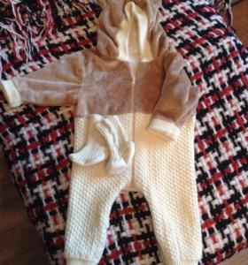Вязанный комбинезон  с носочками