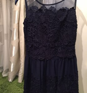 Красивое платье из кружева