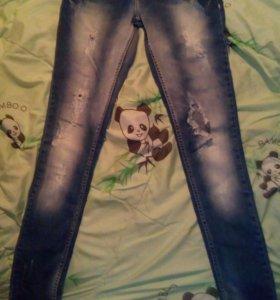 40 р-р Рваные джинсы