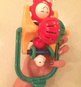 Игрушка погремушка Chicco для малышей