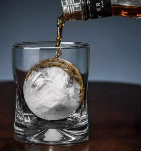 Огромный круглый лед. Диаметр 6.5 см