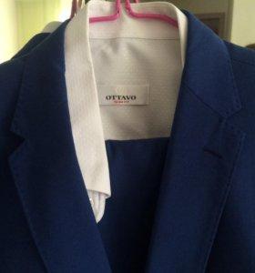 Костюм, рубашка и галстук