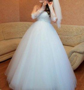 Свадебное платье ,фата, перчатки