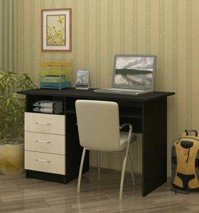 Стол письменный с ящиками, дверкой.