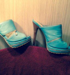 Новые Кожаные туфли 38-39 размера.