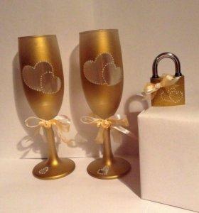 Набор свадебных бокалов и замочек