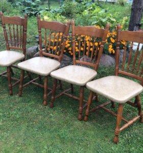 Комплект из 4 ех дубовых стульев из Голландии