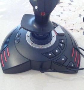 Игровой джойстик Thrustmaster