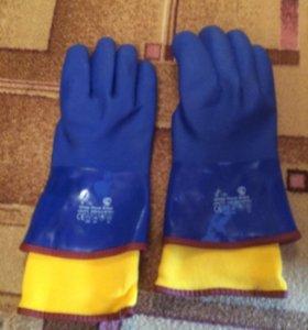 Перчатки утеплённые масло-бензо стойкие.