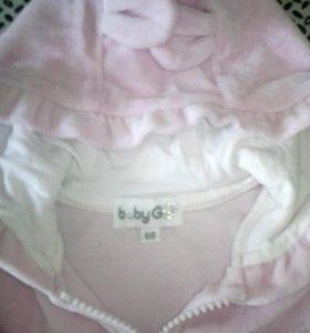 Розовая кофточка с капюшоном