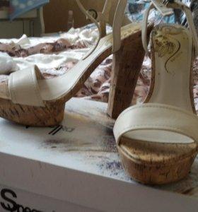 Обувь женская 39