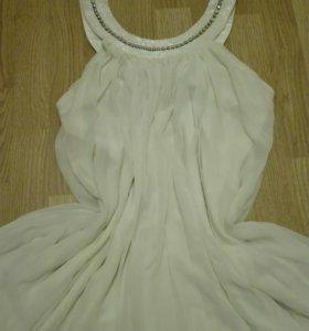 Платье. Производитель Италия. Торг