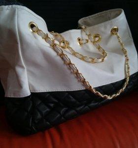 Молодежная сумка-шопер черно - белая