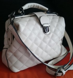 Стильная новая сумочка