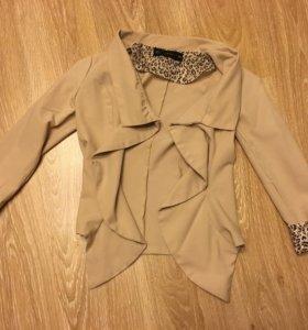 Пиджак с леопардовыми вставками новый