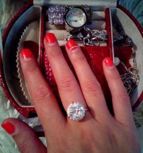 Серебряное кольцо 925 пробы с большим фианитом