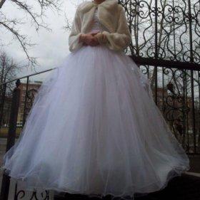 Свадебное платье(кринолин и фата в подарок)