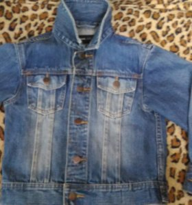 Модная куртка H&M на мальчика рост 116-122