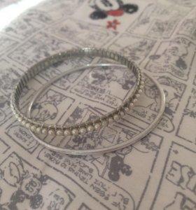 Комплект из двух браслетов