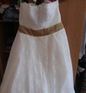 Продам свадебное платье 54-56размер