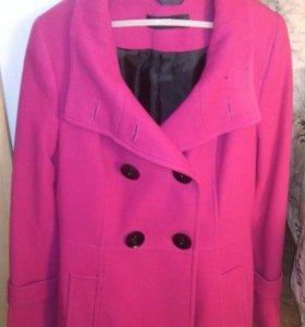 Женское пальто 44-46 размера