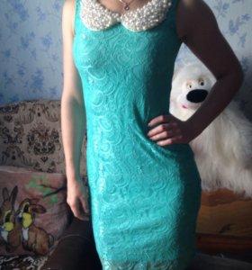 Платье цвета бирюза