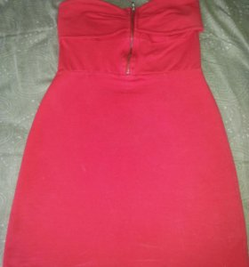 Красное платье Bershka