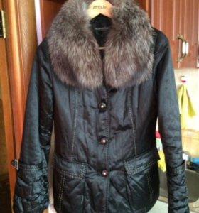 Куртка с меховым воротом