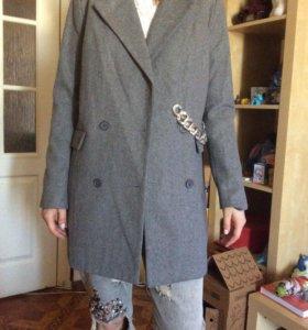 Пальто Lamania 42 р-р новое