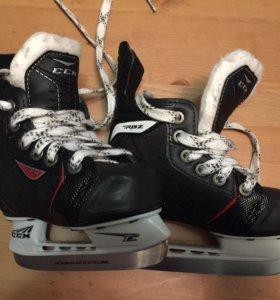 Коньки хоккейные ССМ