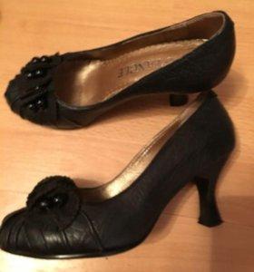 Туфли кожаные 33 размер