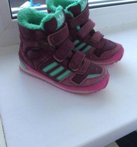 кроссовки на девочку Адидас