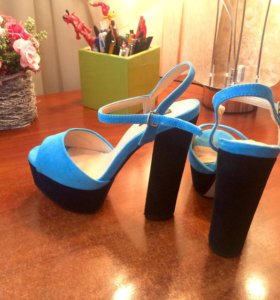 Босоножки на каблуке Kira Plastinina