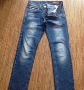 Муж. джинсы р.28