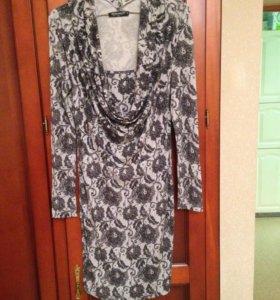 Продам итальянское платье Rinascimento р.m
