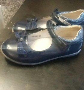 Туфли для девочки 29 р-р