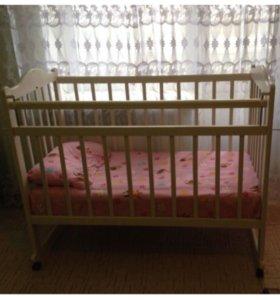 Детские кроватки и коляска