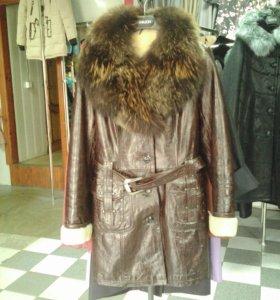 Кожаное зимнее пальто с мехом