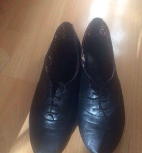 Новые кожаные ботинки, 38