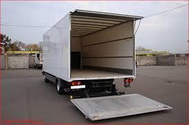 Грузовые машины ,мебельные фургоны.