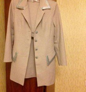 Костюм пиджак с юбкой 46-48